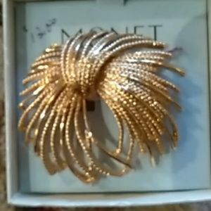 Monet brooch boxed